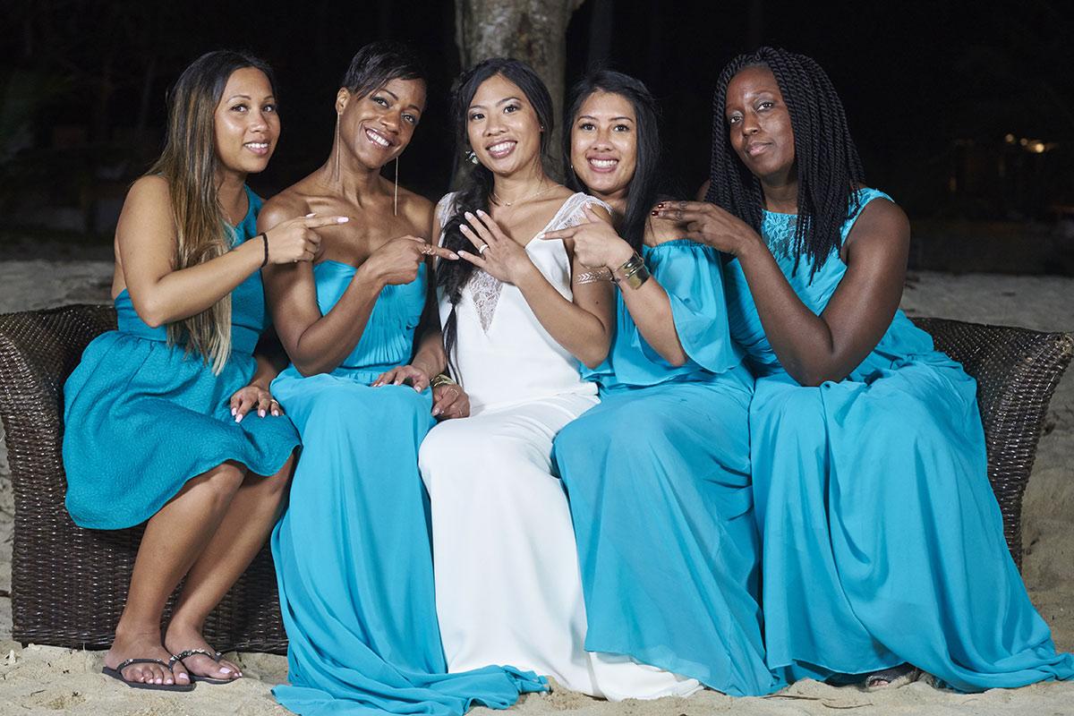 Organisation-Mariage-marier-maries-mariee-ceremonie-Thailande-Plage-ile-Koh-Samui-Island-thai-evenementiel-evenements-demande-fiancailles-EVJF-EVG-noces-voyages-Wedding-ceremony-Planner-Thailand-Beach-Events-event-request-bachelor-bachelorette-groom-bride-bridal-dress-traditions-traditionnelle-traditionel-tenue-vetement-costume-robe-thaïe-styliste-sur-mesure-tailor-1