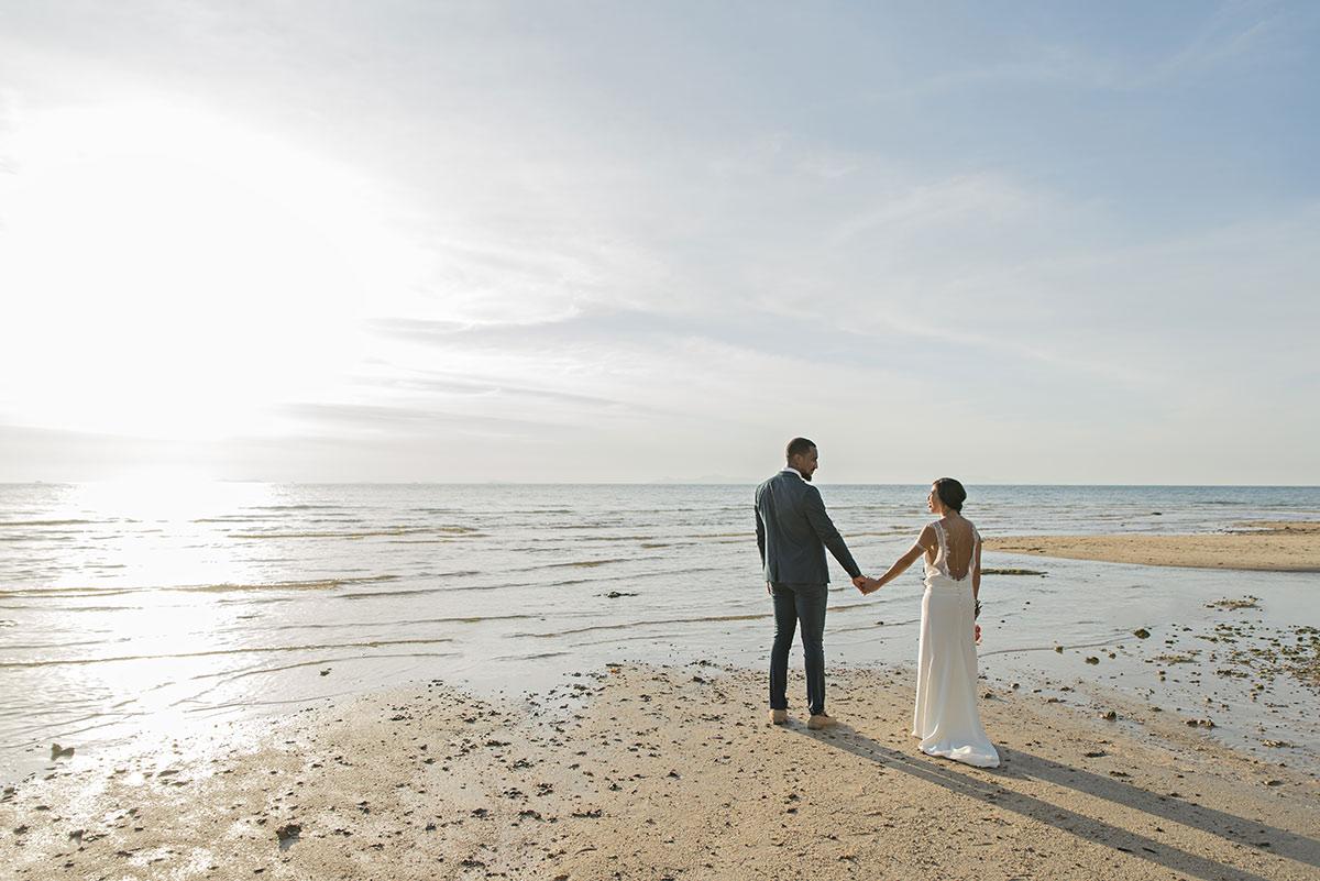 Organisation-Mariage-marier-maries-mariee-ceremonie-Thailande-Plage-ile-Koh-Samui-Island-thai-evenementiel-evenements-demande-fiancailles-EVJF-EVG-noces-voyages-Wedding-ceremony-Planner-Thailand-Beach-Events-event-request-bachelor-bachelorette-groom-bride-bridal-dress-family-famille-17