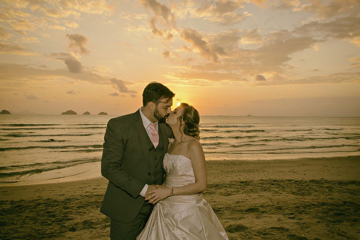 Organisation-Mariage-marier-maries-mariee-ceremonie-Thailande-Plage-ile-Koh-Samui-Island-thai-evenementiel-evenements-demande-fiancailles-EVJF-EVG-noces-voyages-Wedding-ceremony-Planner-Thailand-Beach-Events-event-request-bachelor-bachelorette-groom-bride-bridal-dress-family-famille-elephant-24