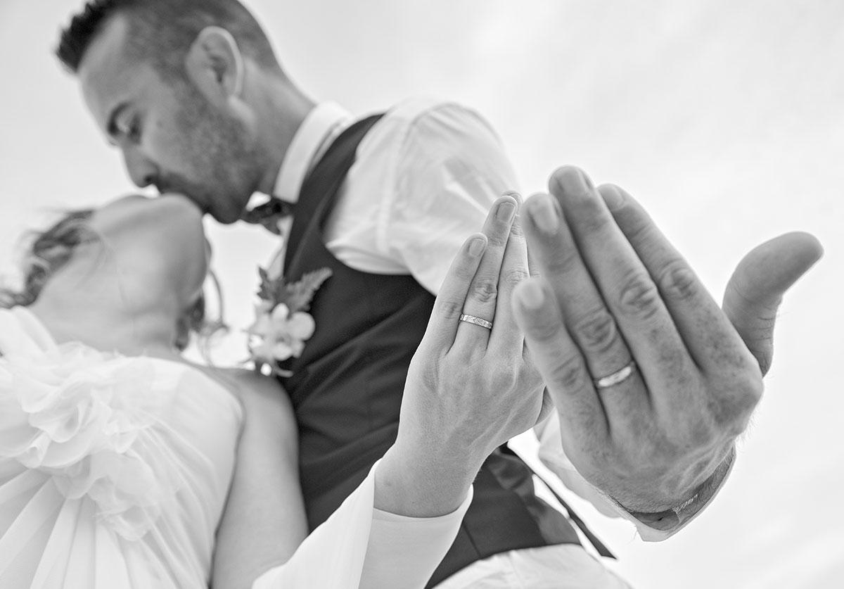 Organisation-Mariage-marier-maries-mariee-ceremonie-Thailande-Plage-ile-Koh-Samui-Island-thai-evenementiel-evenements-demande-fiancailles-EVJF-EVG-noces-voyages-Wedding-ceremony-Planner-Thailand-Beach-Events-event-request-bachelor-bachelorette-groom-bride-bridal-bagues-alliances- marier-maries-anneaux-ring-11