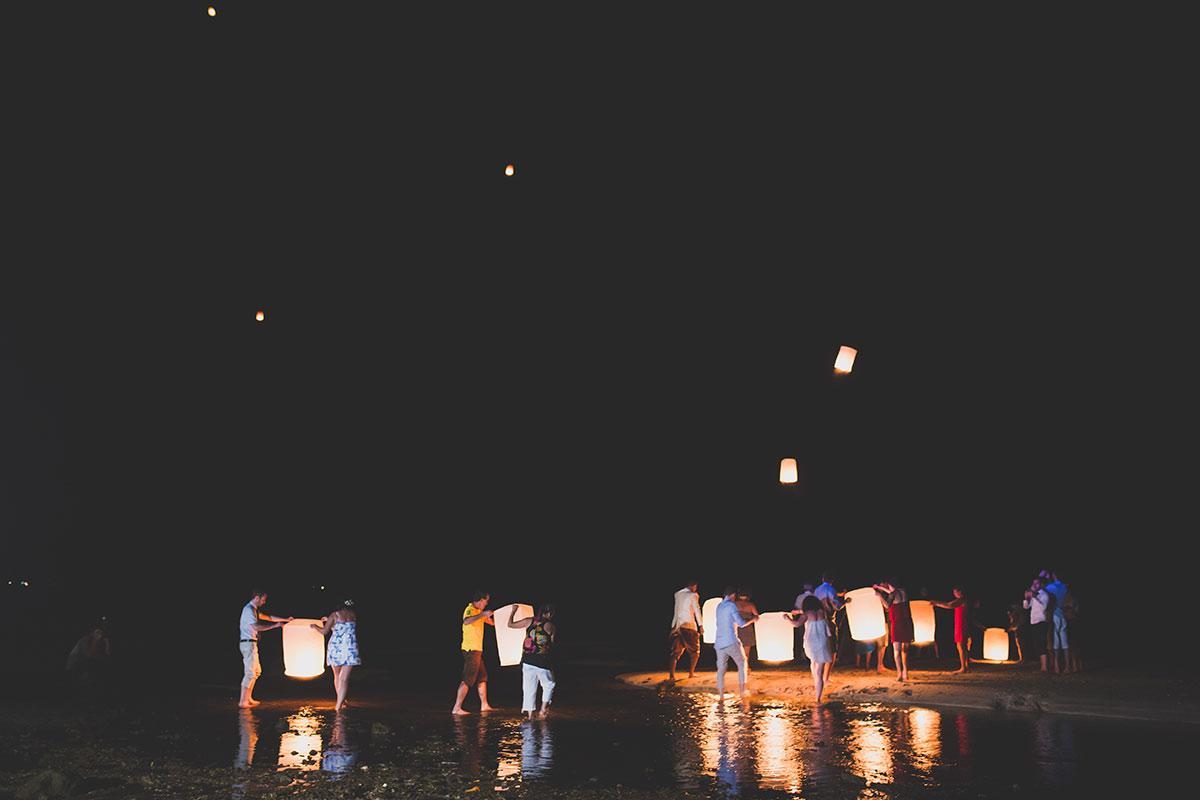 Organisation-Mariage-marier-maries-mariee-ceremonie-Thailande-Plage-ile-Koh-Samui-Island-thai-evenementiel-evenements-demande-fiancailles-EVJF-EVG-noces-voyages-Wedding-ceremony-Planner-Thailand-Beach-Events-event-request-bachelor-bachelorette-groom-bride-bridal-sky-lanterns-lanternes-lucky-ballon-balloon-sunset-nuit-21