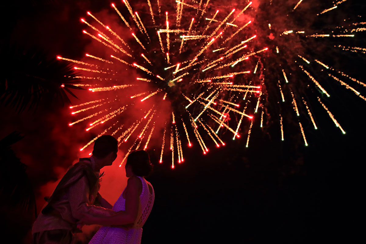 Organisation-Mariage-marier-maries-mariee-ceremonie-Thailande-Plage-ile-Koh-Samui-Island-thai-evenementiel-evenements-demande-fiancailles-EVJF-EVG-noces-voyages-Wedding-ceremony-Planner-Thailand-Beach-Events-event-request-bachelor-bachelorette-groom-bride-bridal-firework-feu-artifice-fusees-petards-show-spectacle-ciel-show-artificier-pyrotechnique-pyrotechnie-12