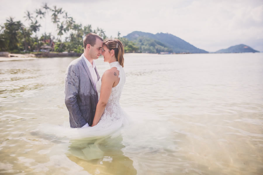 Oui-Au-Paradis-Organisation-Mariage-Thaïlande-Plage-ile-Koh-Samui-Island-Wedding-Planner-Thailand-Beach-event-eau-underwater-sous-marin-pool-piscine-subaquatique- snorkeling-8
