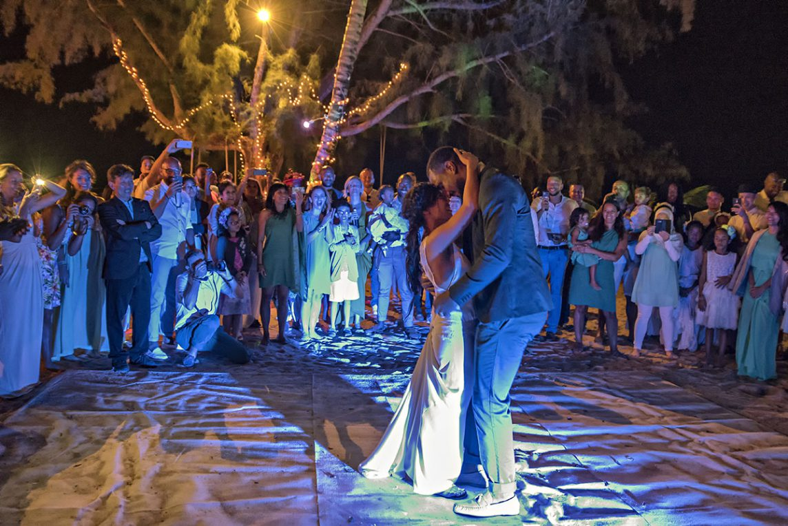Organisation-Mariage-marier-maries-mariee-ceremonie-Thailande-Plage-ile-Koh-Samui-Island-thai-evenementiel-evenements-demande-fiancailles-EVJF-EVG-noces-voyages-Wedding-ceremony-Planner-Thailand-Beach-Events-event-request-bachelor-bachelorette-groom-bride-bridal-dress-family-famille-23