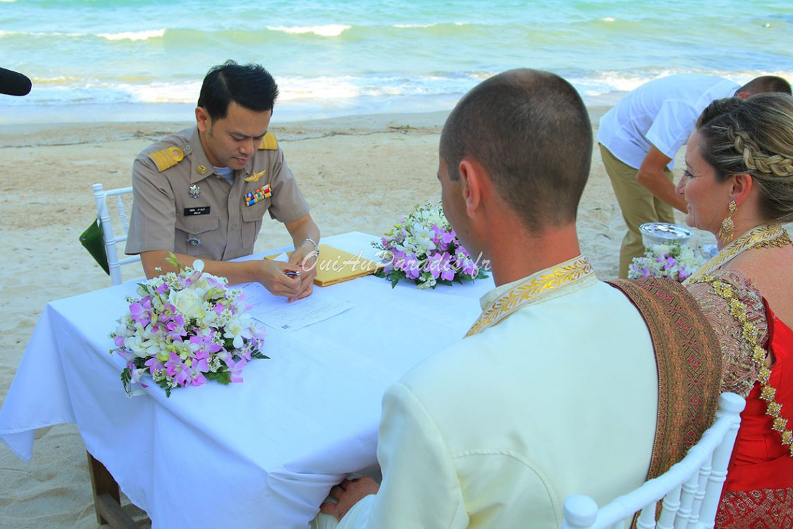 Organisation-Mariage-marier-maries-mariee-ceremonie-Thailande-Plage-ile-Koh-Samui-Island-thai-evenementiel-evenements-demande-fiancailles-EVJF-EVG-noces-voyages-Wedding-ceremony-Planner-Thailand-Beach-Events-event-request-bachelor-bachelorette-groom-bride-bridal-legal-legalisation-procedure-ambassade-France-Belgique-Suisse-ministere-affaires-etrangeres-ressortissants-etrangers-officier-etat-civil-mairie-dossier-signatures-maire-temoins-10